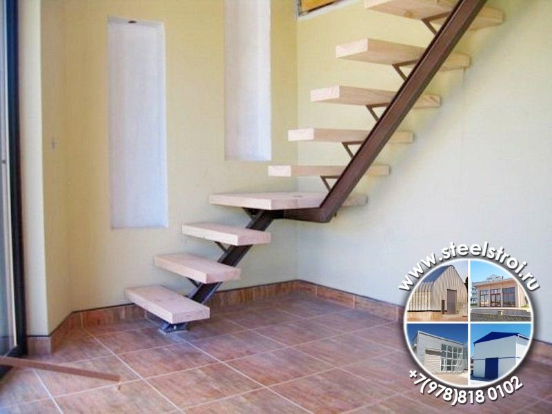 Лестница частном металлическая
