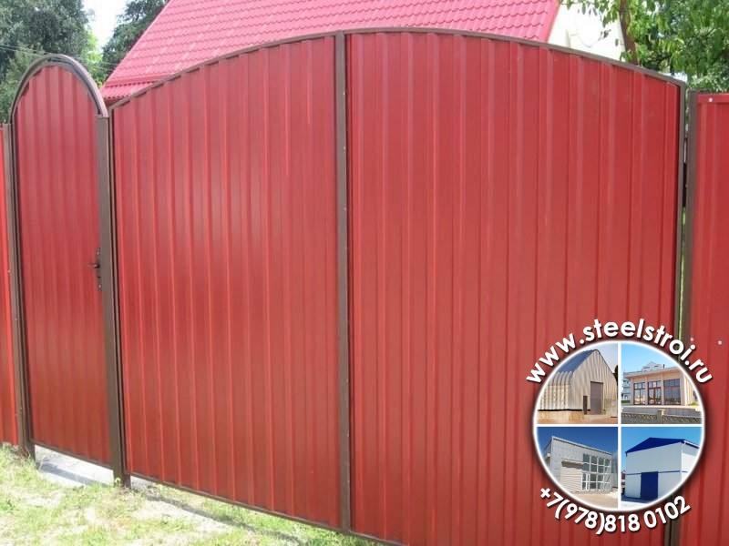 Металлические ворота с калиткой для дачи